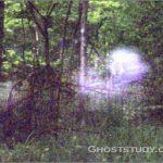 Облако-призрак на кладбище